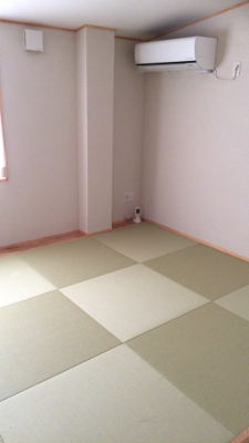 畳は2部屋あるので、男女別れての宿泊も可能です。